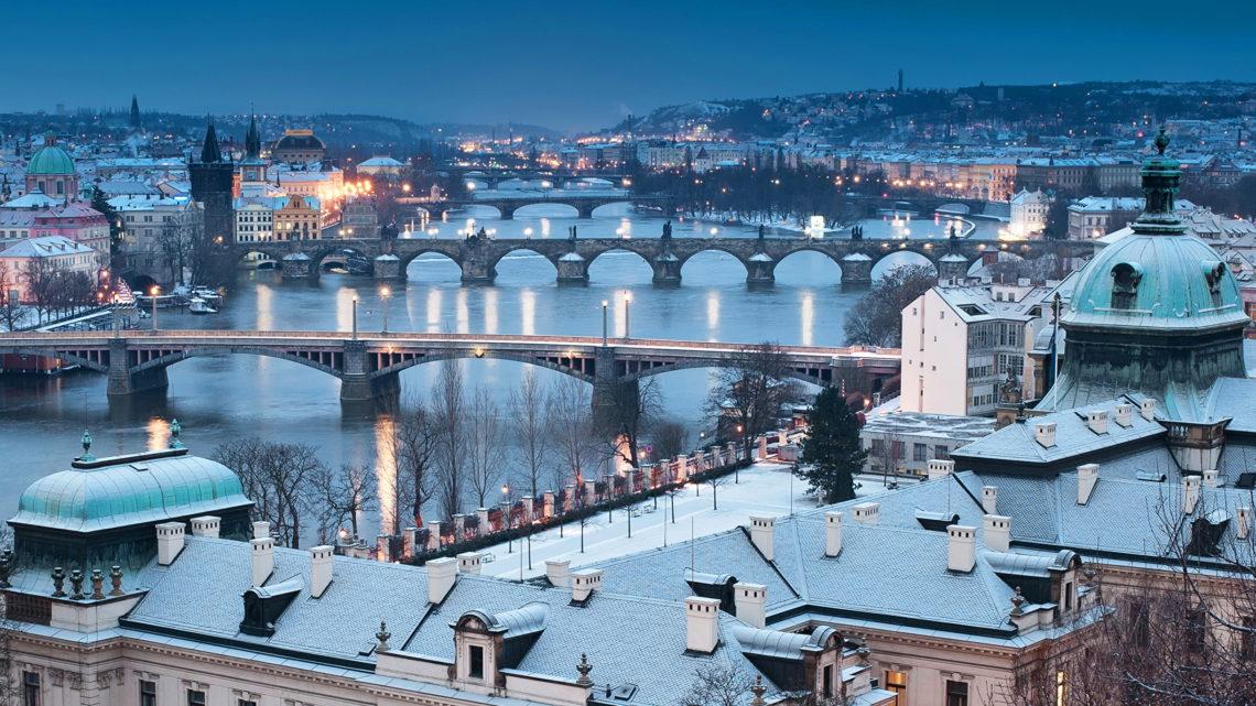 Когда лучше смотреть Прагу.